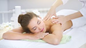 Treat a friend to a relaxing massage this break - Naturo